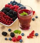 Frappè ai frutti di bosco e gelato