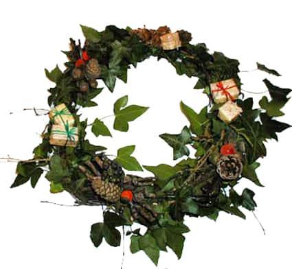 Ghirlanda di natale naturale come fare una corona di natale - Corone natalizie da appendere alla porta ...