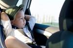 Bambini comodi in macchina