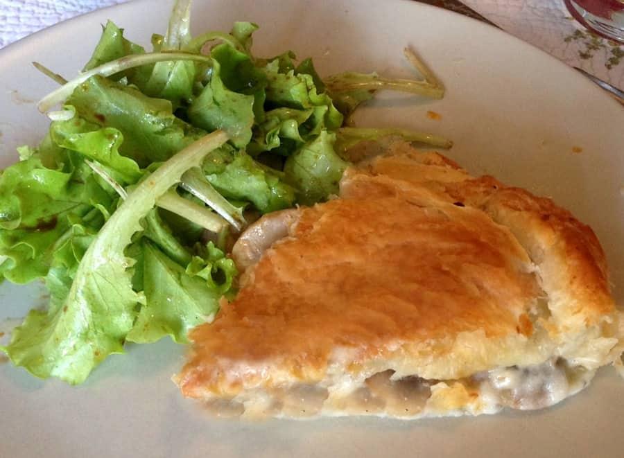 Torta salata pollo e funghi