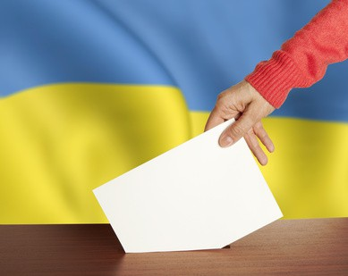 Gli ucraini votano per l'Europa e per la pace