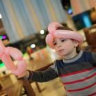 Fare sculture di palloncini con i bambini