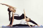 Come praticare lo yoga con i bambini a casa