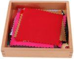 Tessuto colorato diverso: materiale sensoriale Montessori