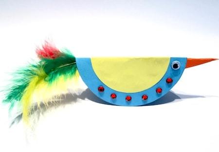 Dondolo Che Dondola.Lavoretto Di Primavera Per Bambini Uccello Di Carta Colorato